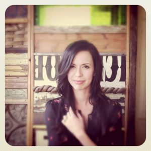 joy williams pic 300x300 Grammy Winner Joy Williams of The Civil Wars Opens Up Her Beauty Closet To Us