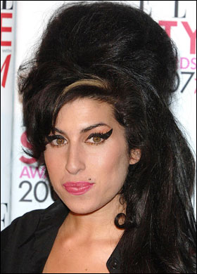 amy winehouse  2012 Top 7 Beauty Trends