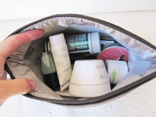 Vermeyca Bag Review 1 Review: Vemayca Washable Cosmetic Bag