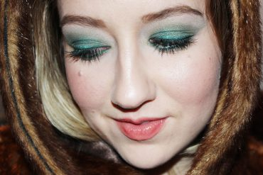 emerald green eye makeup