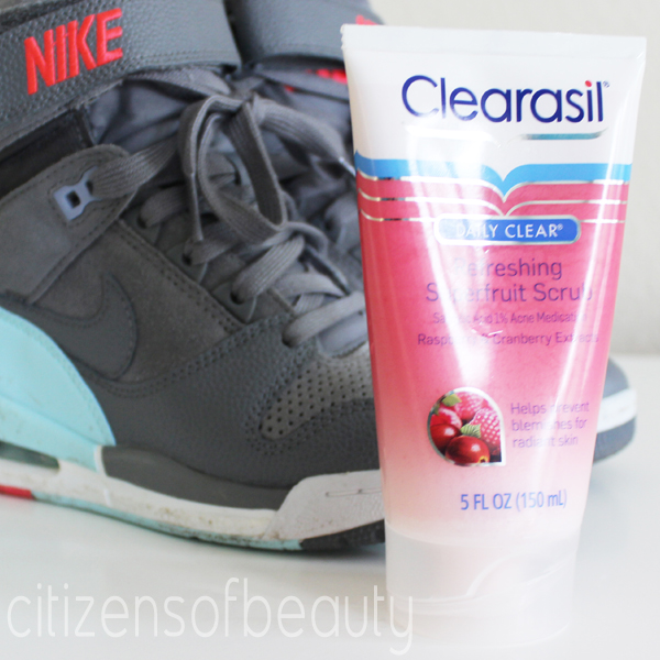 Clearasil Refreshing Superfruit Scrub Review Clearasil Daily Clear Refreshing Superfruit Scrub Review