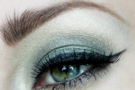 Japonesque Velvet Touch Eyeshadow is richly pigmented