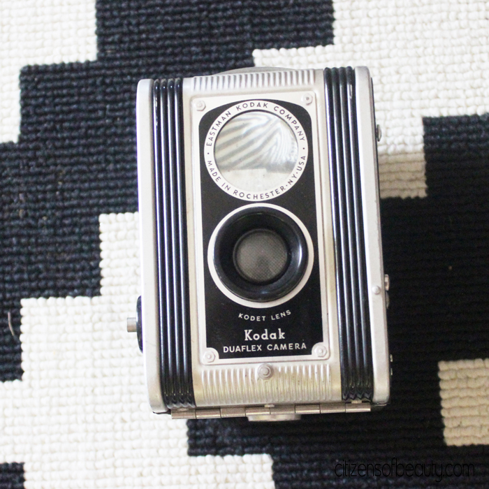 Kodak Vintage Camera's are a pretty little thing for home decor! via @citizenofbeauty