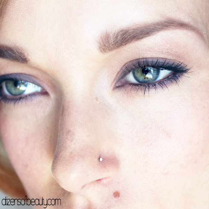 Simple and smoky eye makeup look using Neutrogena