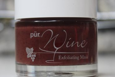 Review of Pur Mienrals Wine Exfoliating Mask