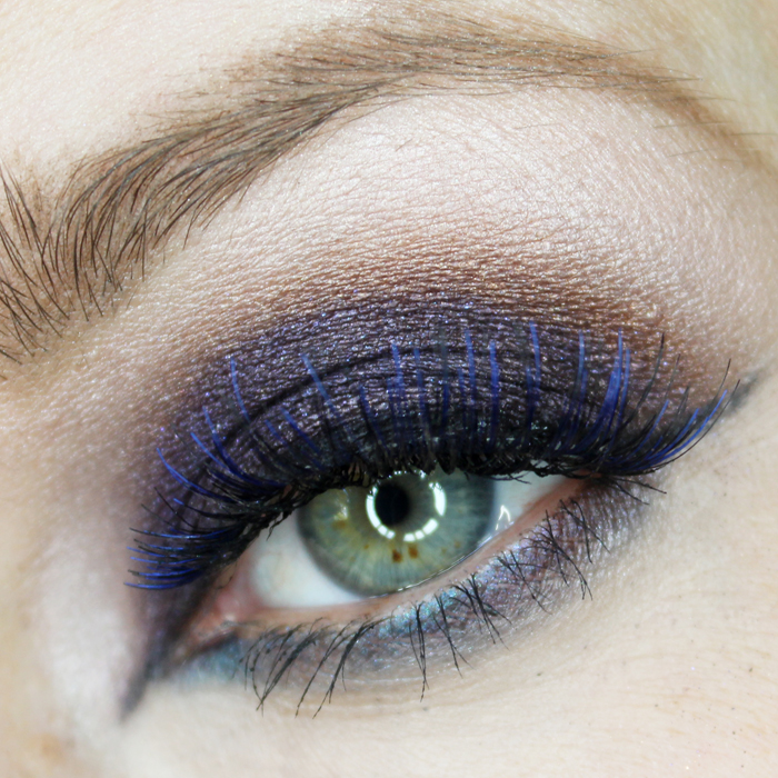 eye makeup design using the makeup forever artist palette