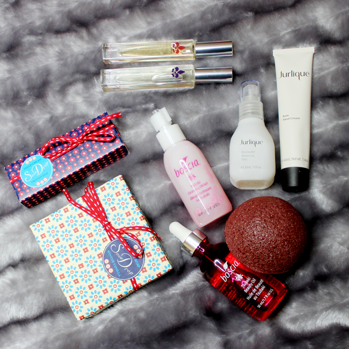 small beauty gifts for the holidays