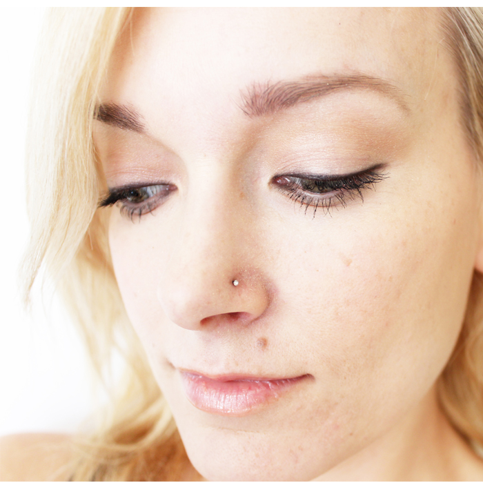Get the basics on how to apply your black eyeliner like a pro!