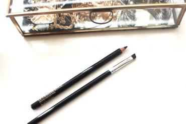 how to apply black eyeliner 3
