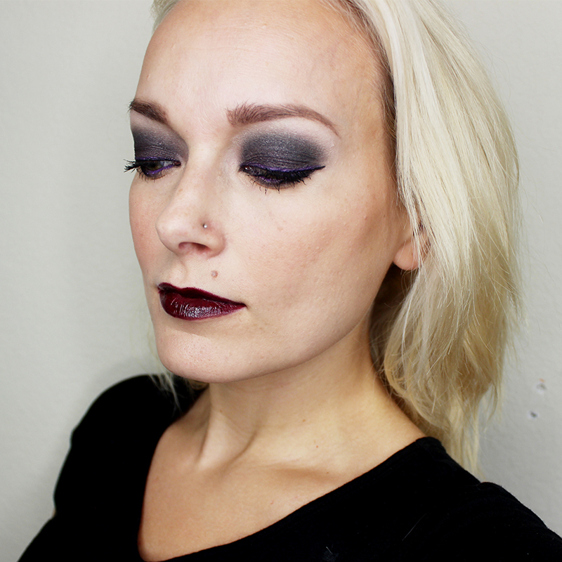 purple and black smoky eye makeup look