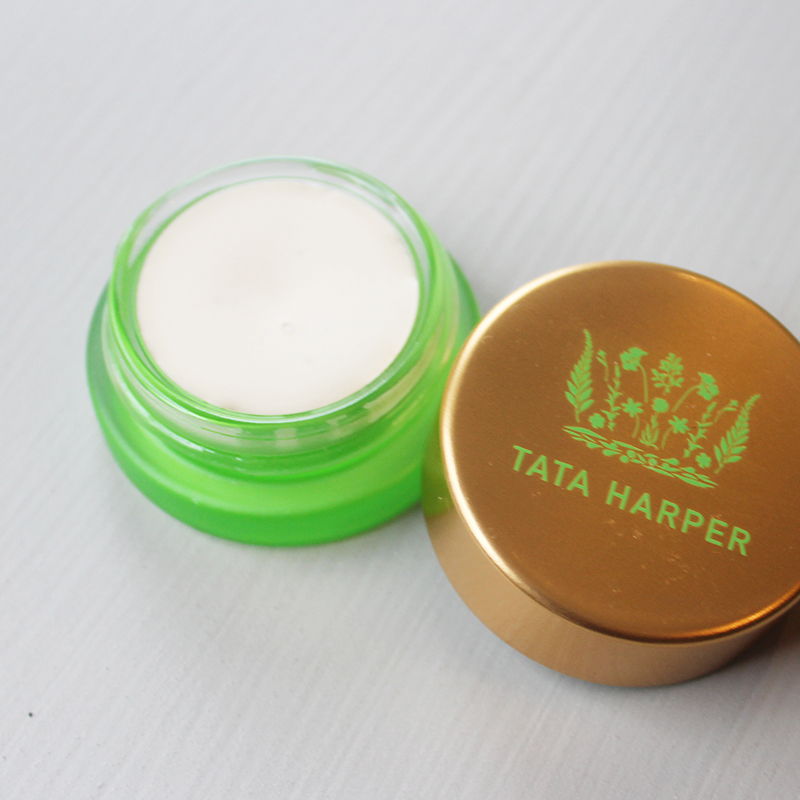 highlighter for a natural beauty look
