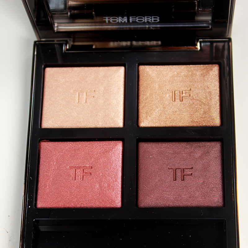 Get this gorgeous Tom Ford Eyeshadow Quad for holiday! It's is abslolutely stunning!