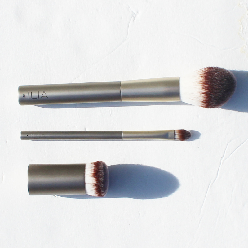 Ilia vegan makeup brush review