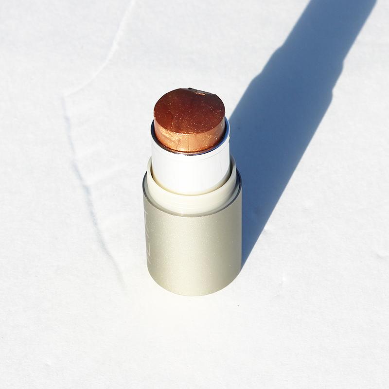 ilia-makeup-review-bronzer