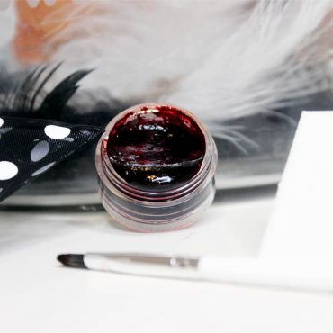 DIY-Organic-Beet-Juice-Lip-and-Cheek-Stain-recipe-2
