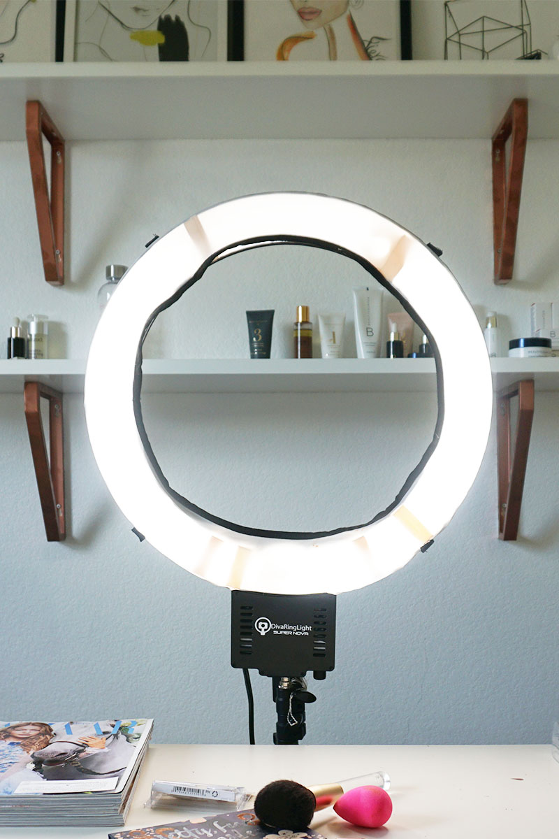 Get the best makeup light for makeup selfies. Check out the Diva Ring Light Super Nova