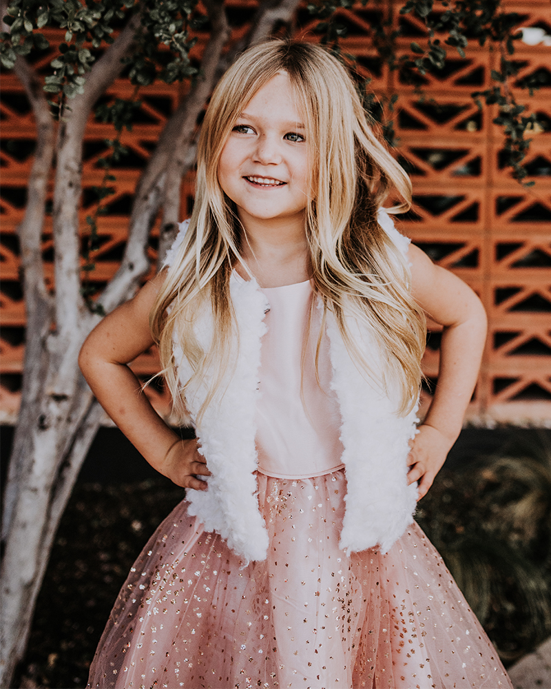 Little girls age 5-8 Christmas Dress ideas for Christmas Eve or Santa Clause pictures with Beauty and Lifestyle Blogger, Kendra Stanton