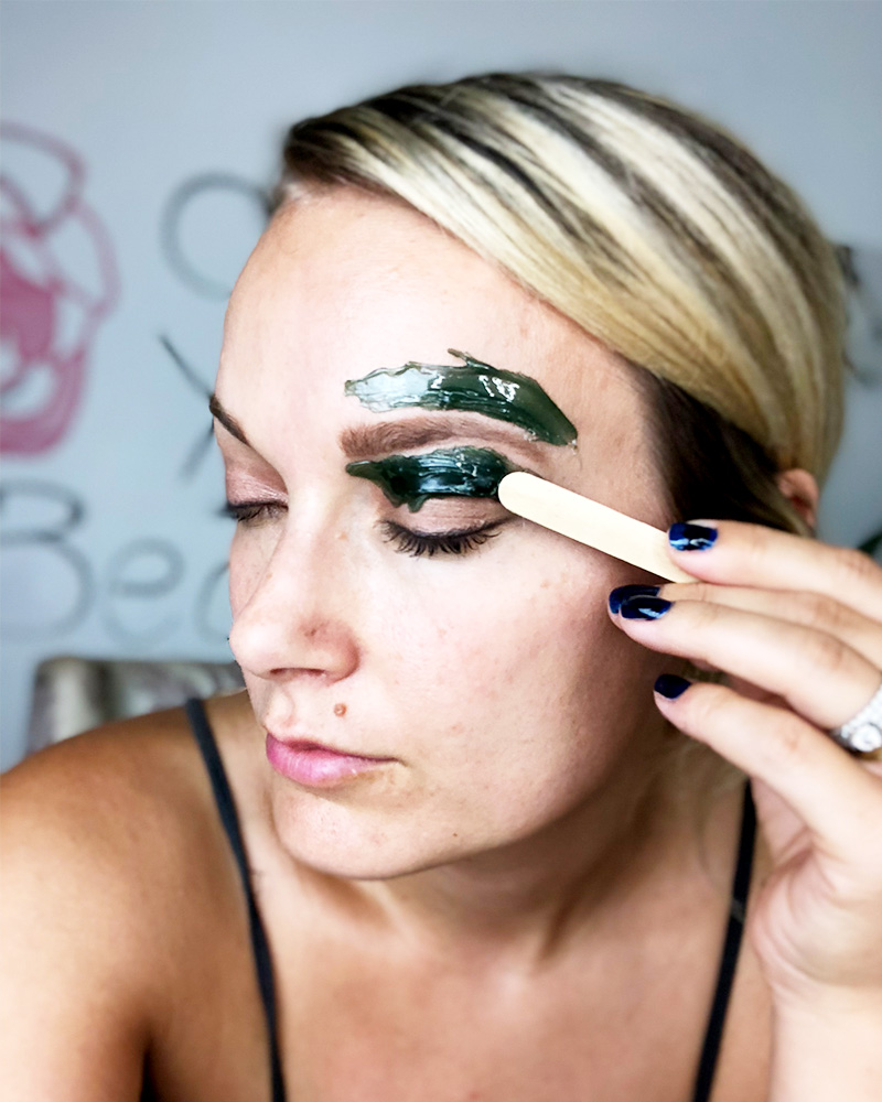 learn the differenc between waxing vs tweezing with Austin, TX beauty blogger Kendra Stanton