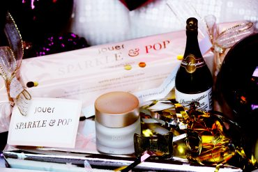 Jouer_cosmetics_sparkle_and_pop_1