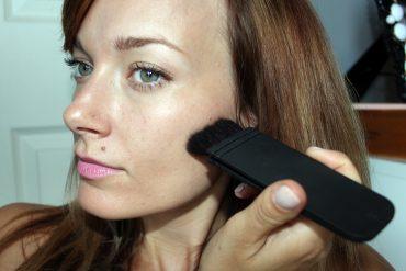 ita-brush-contour cheek-bone