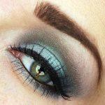 Eyeshadow by Numbers: Laura Mercier Emerald Trio