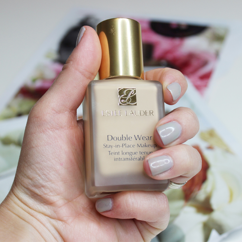 Concealing Blemishes With Estee Lauder Double Wear Stay-in-Place ...