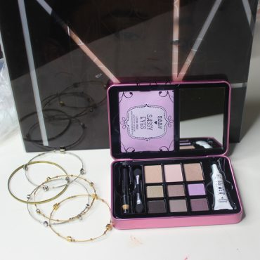 review of the hard candy sassy eyes eyeshadow palette