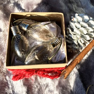 how to creatively package your DIY lightbulb feather ornament