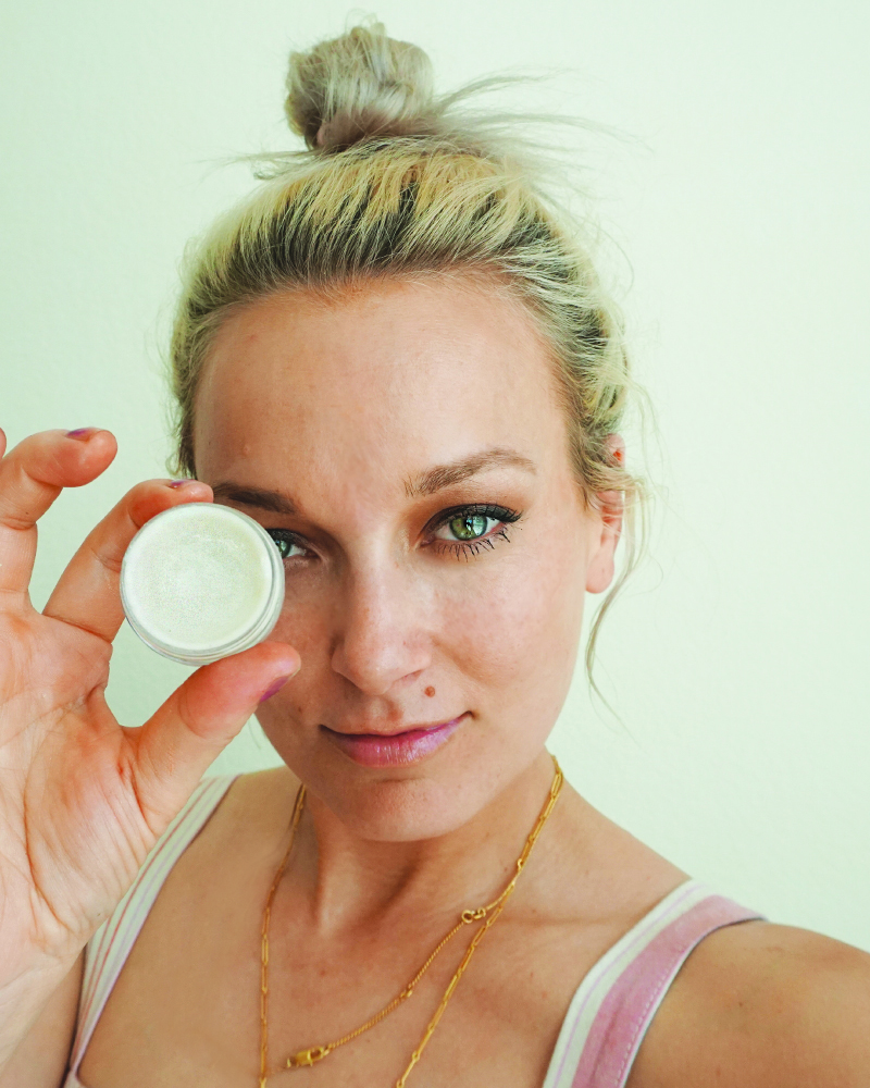 Learn how to make a DIY Cream Highlighter for gorgeous glowing skin in five minutes with beauty and lifestyle blogger, Kendra Stanton.