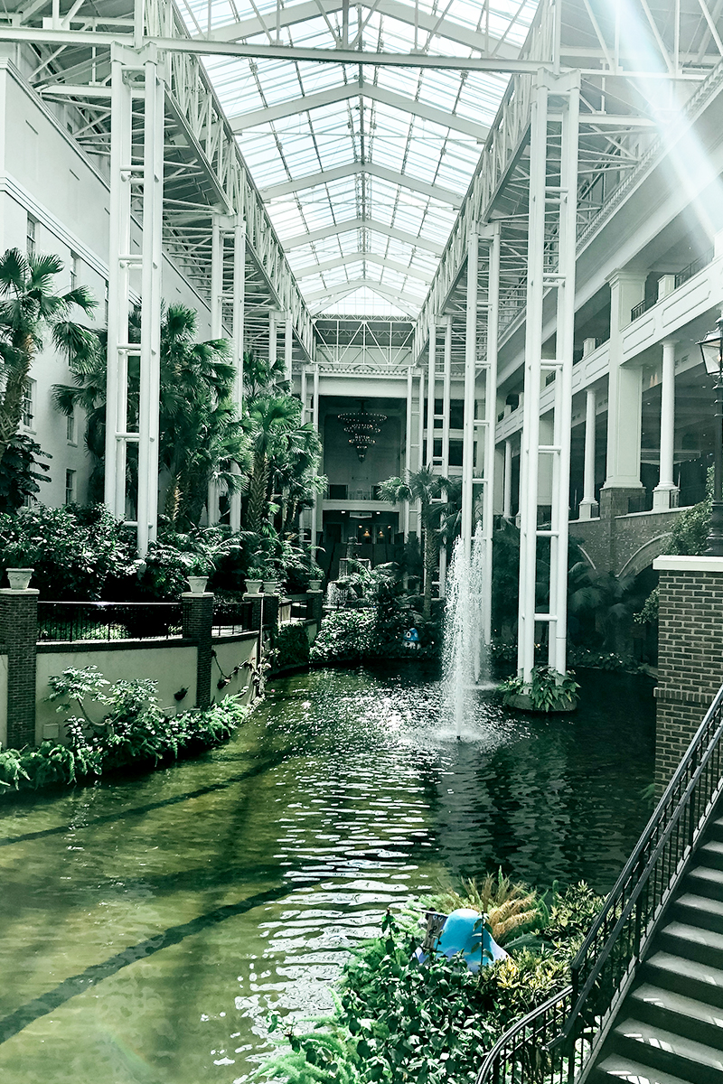 Opryland resort hotel stay and inside the gorgeous garden with beauty and lifestyle blogger, Kendra Stanton