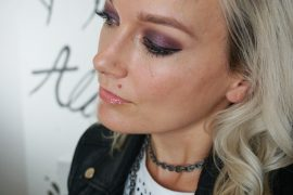 Smoky plum Eyeshadow look