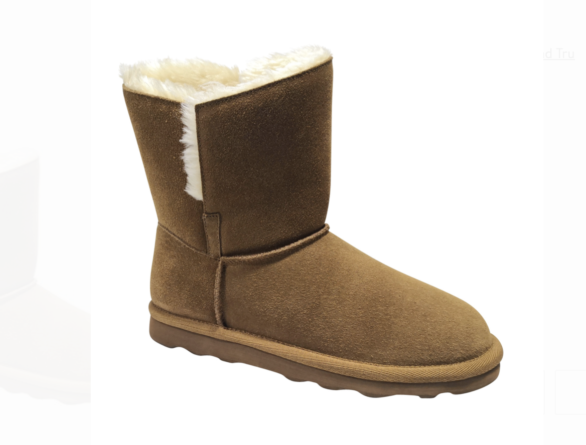 Try these cozy fall boots for popular styles that are trending right now with autumn vibes.