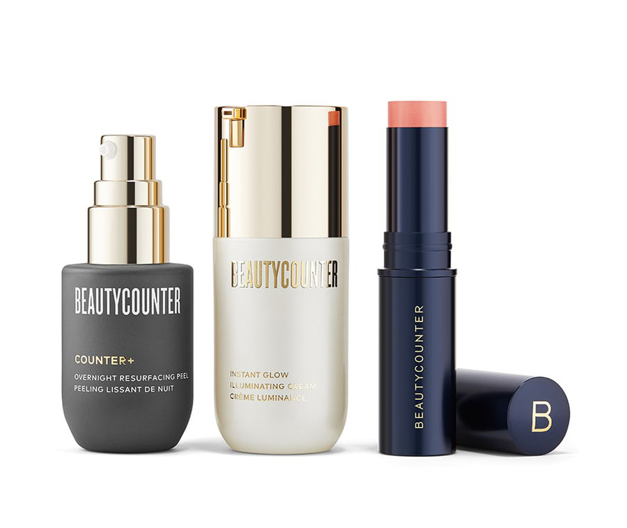 Try this anti-aging gift from Beautycounter that helps with fine lines, wrinkles, and more!