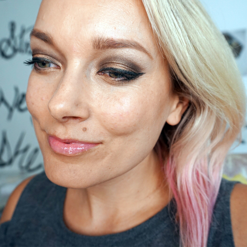Beautycounter Holiday Nudes Eyeshadow Palette Looks And