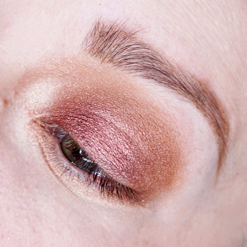 Highlight in the corner of your eye and under your brow bone for a highlighted look,