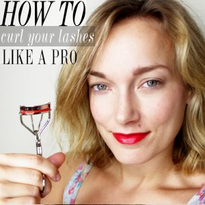 Here you will learn how to curl your eyelashes like a professional and have fabulously curled lashes. Check out this basic makeup tip with beauty and lifestyle blogger, Kendra Stanton