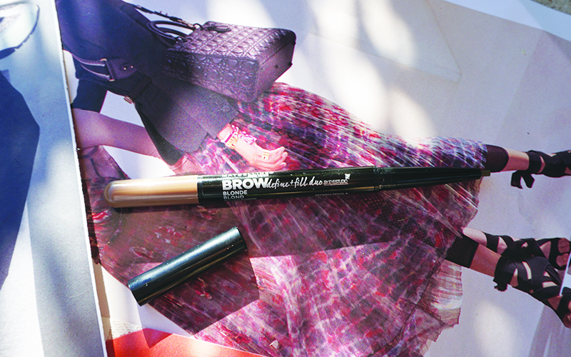 Get this non-toxic and clean drugstore brow pencil from Maybelline, plus check out other drugstore makeup that's safe for you with beauty and lifestyle blogger, Kendra Stanton.