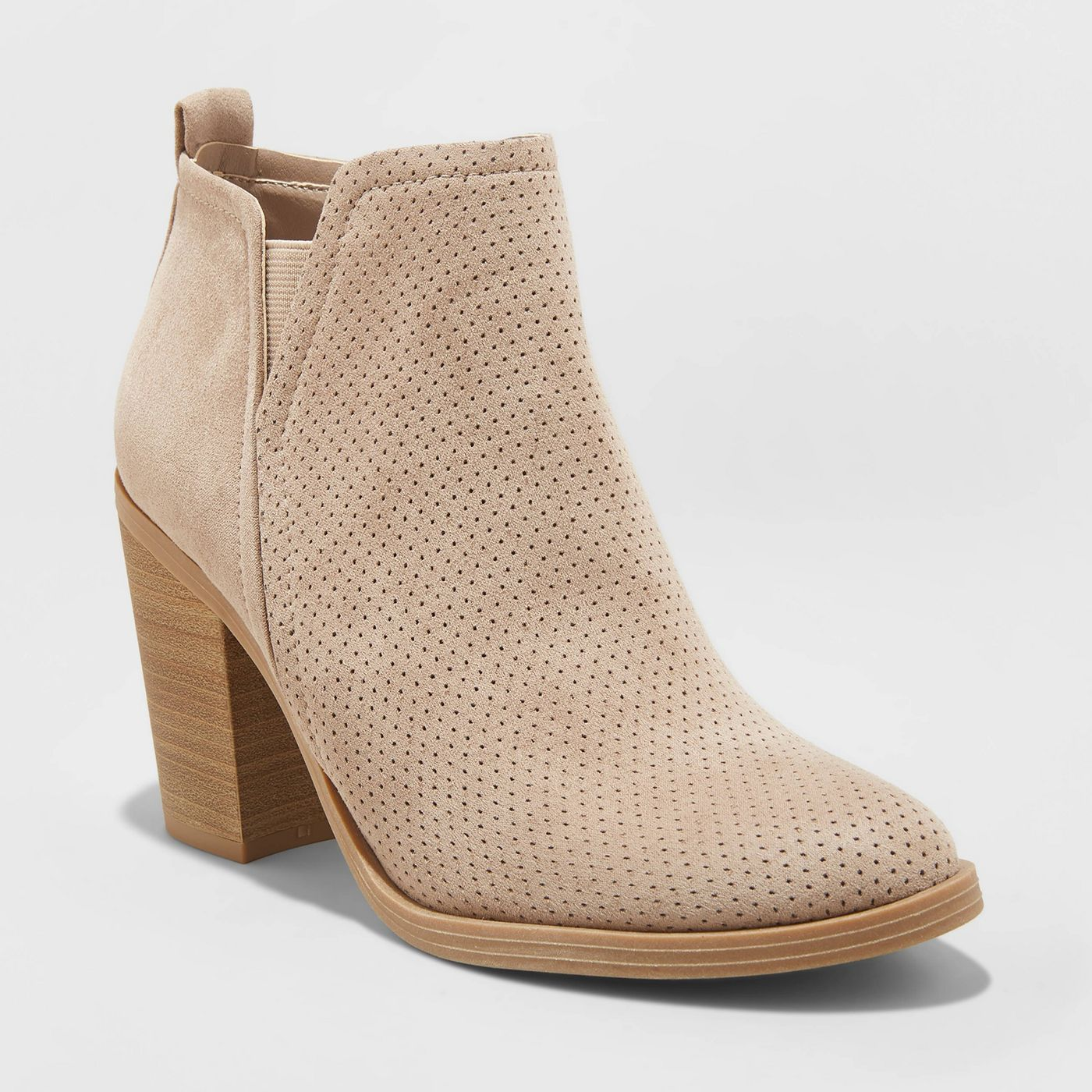 Perforated fall boot for 2019 that's popular, on trend, and under $40!