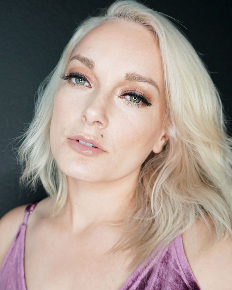 Finished Rose Gold Holiday makeup look with beauty and lifestyle blogger, Kendra Stanton.