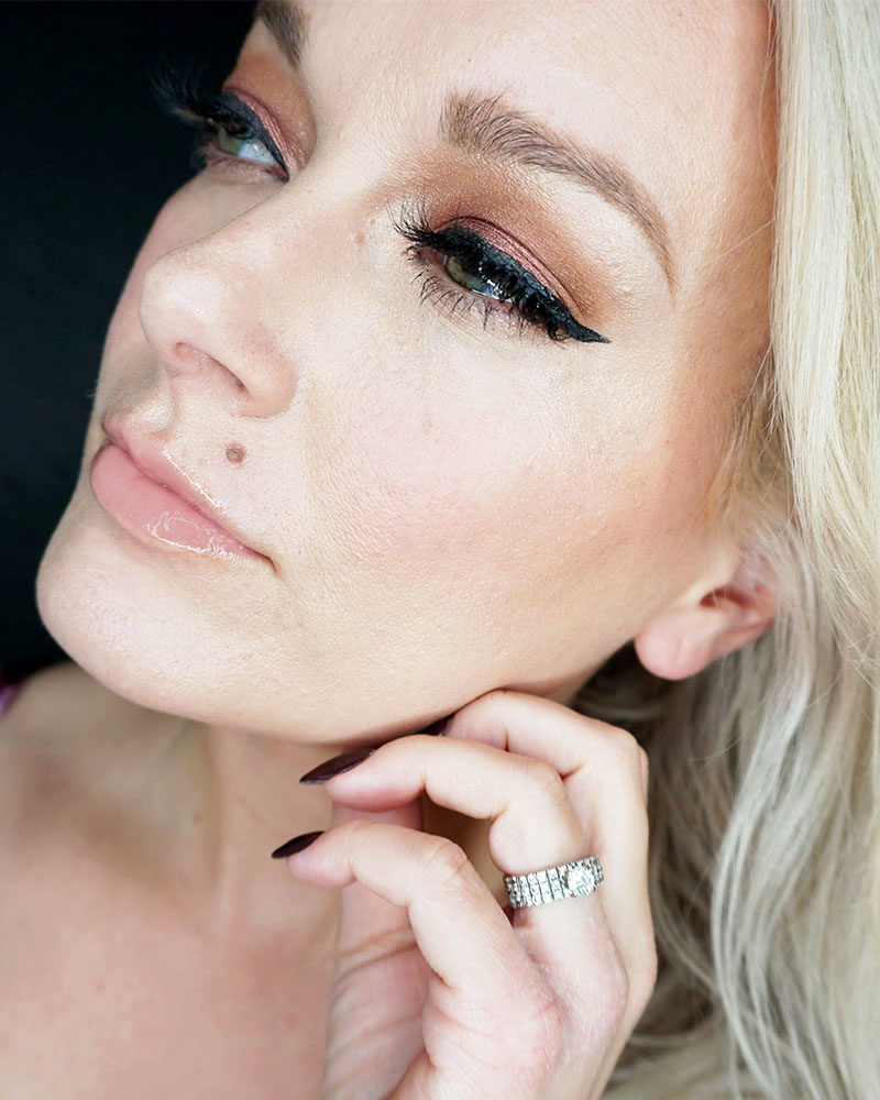 A stunning Rose Gold Holiday Makeup Look for your parties and more with beauty and lifestyle blogger, Kendra Stanton.