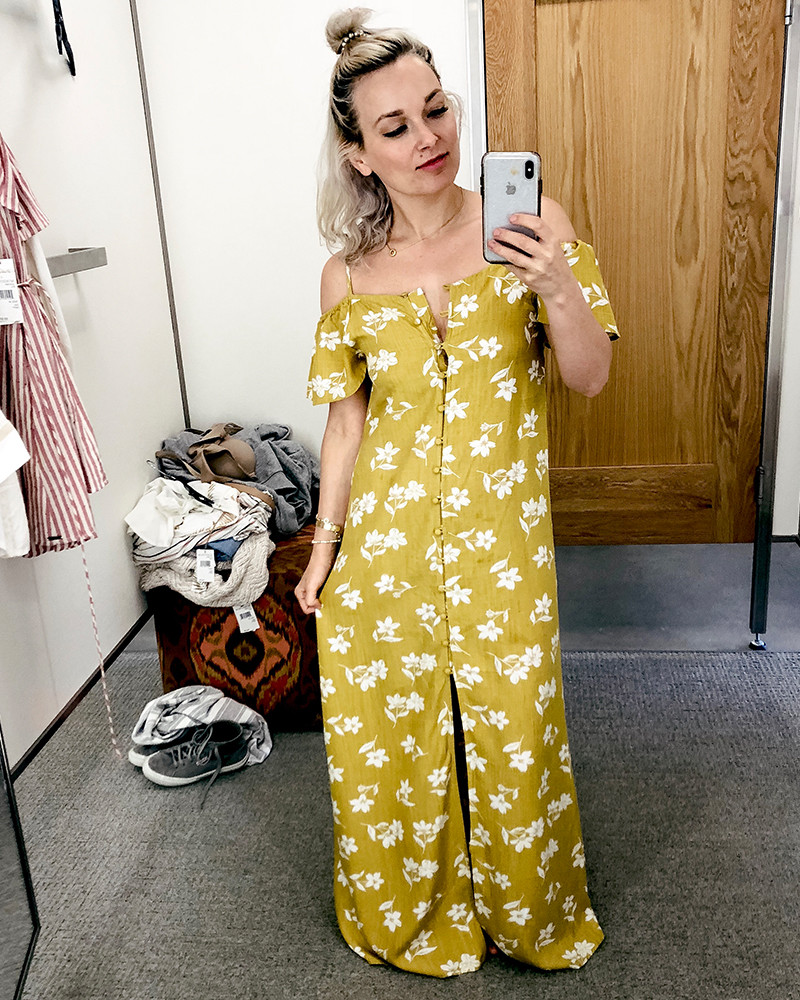 Beauty and lifestyle blogger, Kendra Stanton brings you a try on haul feature this yellow boho sincerely jules dress from Billabong.