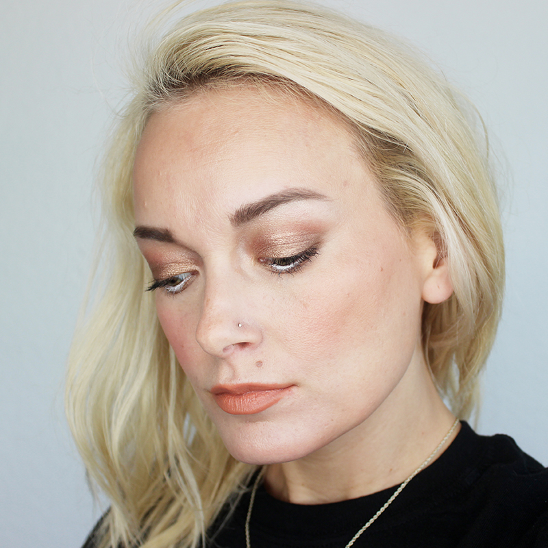 basic peach makeup look for any season with beauty and lifestyle blogger, Kendra Stanton.